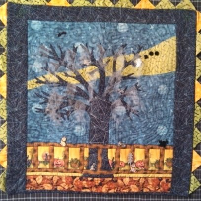 Haunted tree wall hanging. I made this for one of the Keepsake Quilting challenges.
